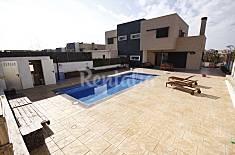 Casa con piscina, sala de cine y WIFI Tarragona