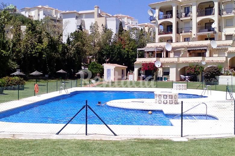 Apartamento en alquiler a 400 m de la playa mijas golf for Piscina publica malaga