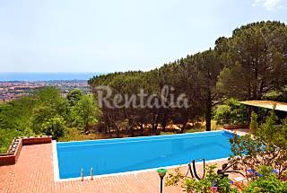 Gorgeous villa, infinity pool, Ionian sea panorama Catania