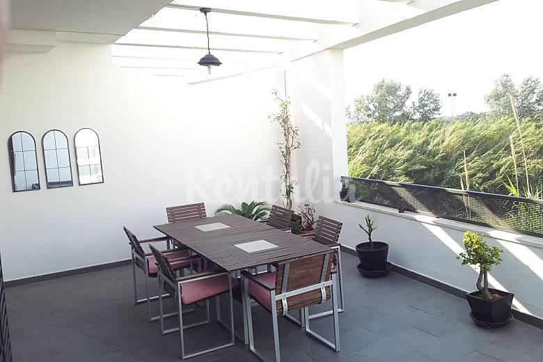 Apartamento en alquiler a 1500 m de la playa la - Alquiler de pisos en isla cristina ...