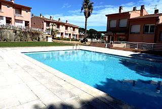 Fantástica casa adosada cerca de la playa. Girona/Gerona