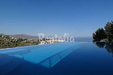 5 apartamentos con vistas preciosas al mar y almu car for Piscina publica alhendin granada