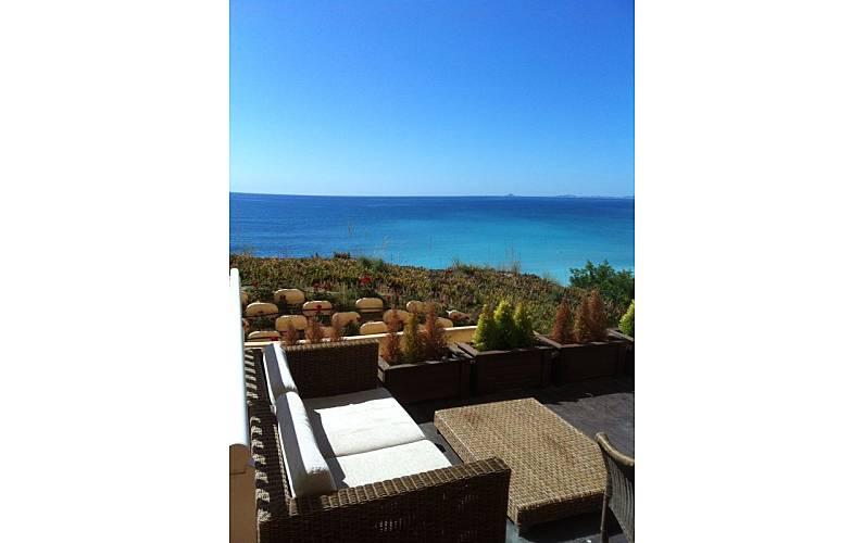 Huis te huur op 100 meter van het strand dehesa de campoamor orihuela alicante costa blanca for Terras strijkijzer