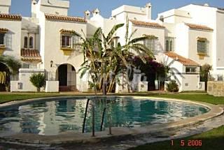 Casa con jardin en primera linea de playa-golf Málaga