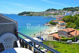 Apartments for 2-7 people on the beach front line Pontevedra