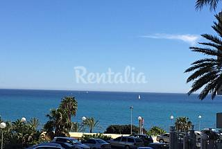 Apartment for 2-5 people on the beach front line Málaga