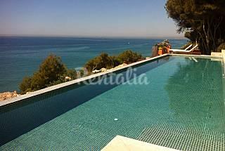 Villa de 4 habitaciones en acantilado sobre el mar Tarragona