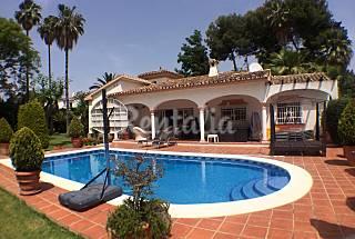Villa para 8-9 personas a 1500 m de la playa Málaga