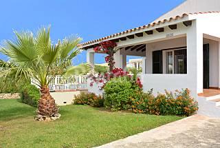 Chalet individual con piscina y jardin privado Menorca