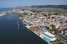 Vivenda para Férias com Piscina, junto à Praia Braga