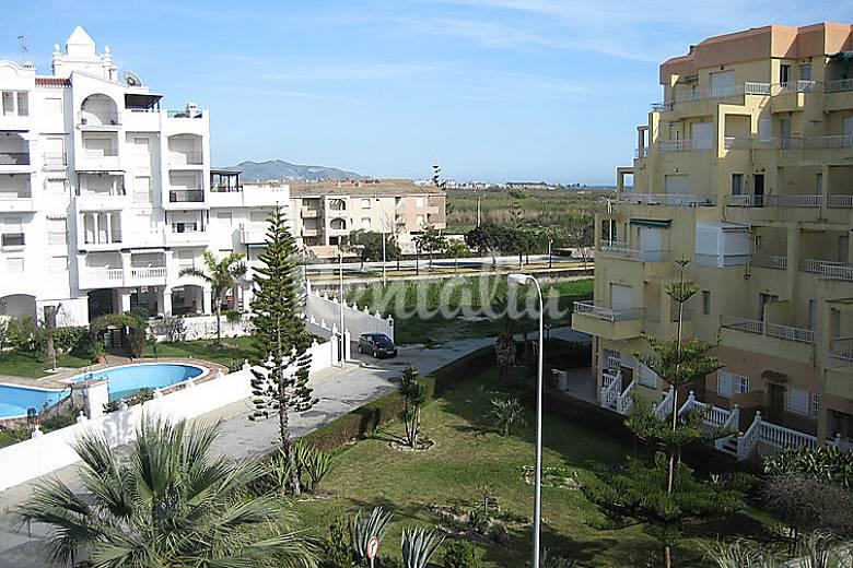 Apartamento en alquiler a 100 m de la playa salobre a granada costa tropical - Apartamentos en granada playa ...