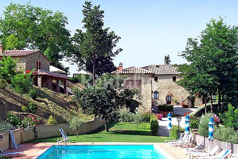 Apartamento en alquiler con piscina san cipriano for Casa volterra