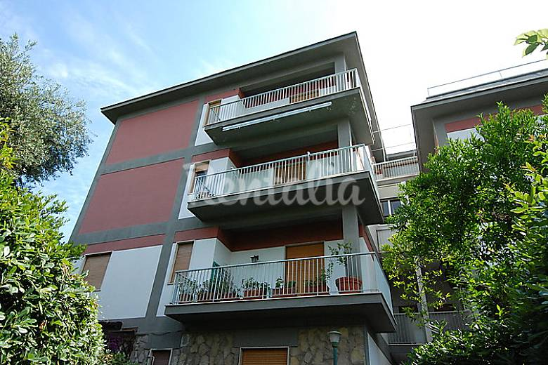 Apartment for rent only 1000 meters from the beach Naples