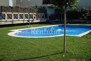 Bajos+ wifi+terraza 70m+piscina a 300 playa Tarragona