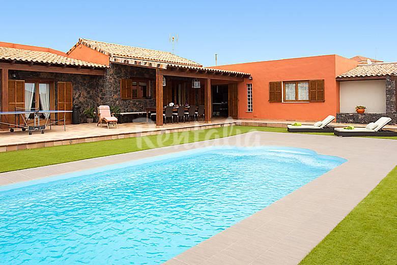 villa en alquiler con piscina los estancos puerto del