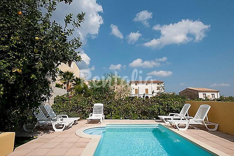 Casa para 8 personas con piscina selva mallorca sierra for Casas con piscina mallorca