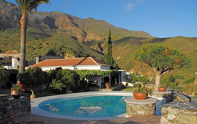 4 casas rurales para 2 16 personas con piscina lomito de for Casas con piscina en sevilla para alquilar