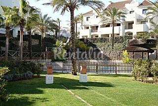 Preciosa casa adosada en el Golf. Urb Vistahermosa Huelva