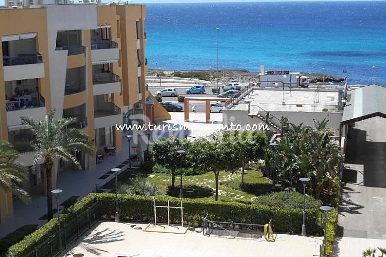 Appartement de 2 chambres 100 m de la plage lido san for La chambre de giovanni