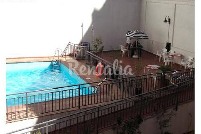 Apartamento centro nuevo con piscina pz mayor madrid for Apartamentos en madrid con piscina
