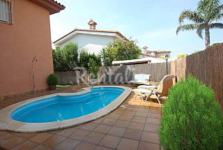 Villa for 8 people only 70 meters from the beach Tarragona