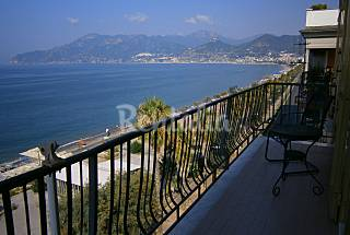 3 Apartments for rent only 10 meters from the beach Salerno