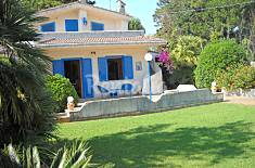 Villa for rent only 40 meters from the beach Latina