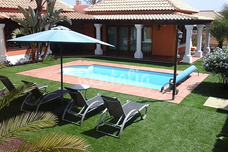 Villa con piscina climatizada wifi a 1km playa corralejo la oliva fuerteventura - Camping en oliva con piscina ...