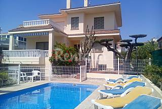 Villa with 5 bedrooms only 200 meters from the beach Tarragona
