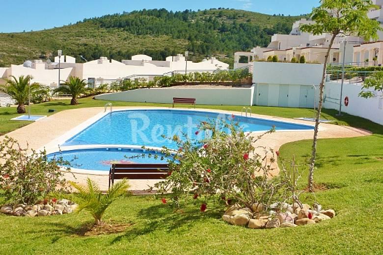 Tico terrazas vistas mar monta as y piscina pe scola for Piscinas castellon