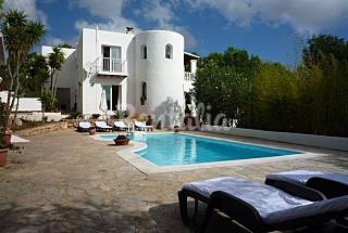 Cala Llonga Des Ibiza