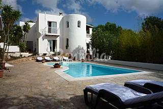 Cala Llonga Des Ibiza/Eivissa