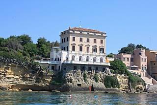 Appartamento con 3 stanze in prima linea di spiaggia Roma