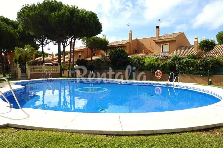 Casa olympia piscina 2 habitaciones 200m la playa for Piscina de cadiz