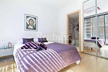 Apartamento con terraza privada y piscina cerca de for Habitacion 73 barcelona
