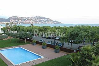2 bedrooms on the beachfront with swimming pool Girona