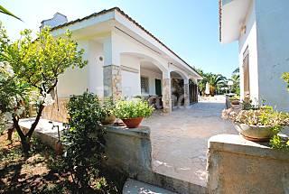 Affitto villa per gruppi Ostuni Puglia Brindisi