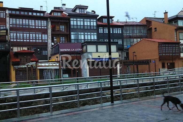 En el centro de llanes la plaza llanes asturias for Estancia en llanes