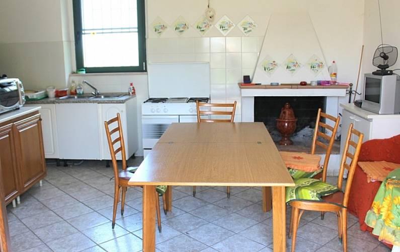 Haus mit 3 zimmern 2 km bis zum strand torino di sangro for Esszimmer italienisch