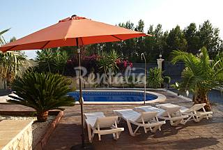 Nice villa with pool and barbecue  Tarragona