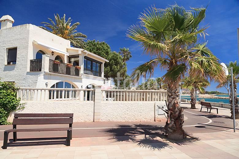 Fant stico apartamento en la playa de cambrils cambrils for Apartamentos jardin playa larga tarragona