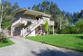 Villa en alquiler a 1.8 km de la playa A Coruña/La Coruña