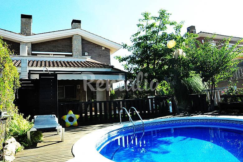 Alquiler vacaciones apartamentos y casas rurales en - Casas vacaciones cataluna ...