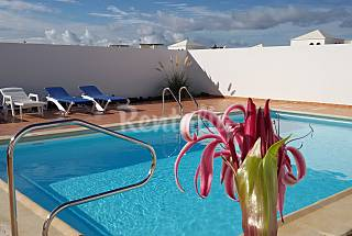 Casa muy luminosa con gran piscina-Playa a 1500 mts Lanzarote
