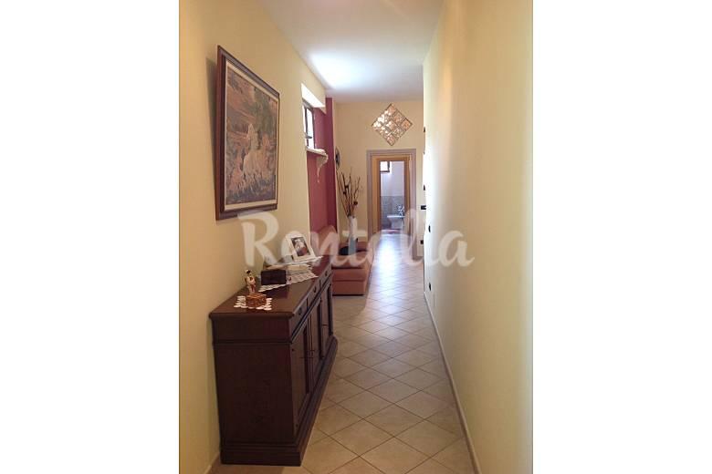 Appartamento iris sorrento napoli for Disposizione interna della casa