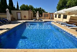 10 Apartamentos con piscina.