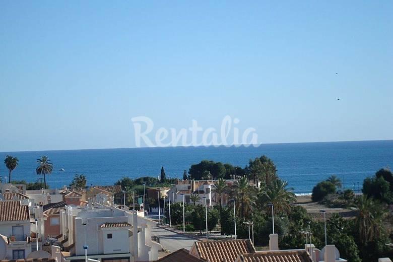 Apartamento para 4 personas a 250 m de la playa puerto for Pisos puerto de mazarron