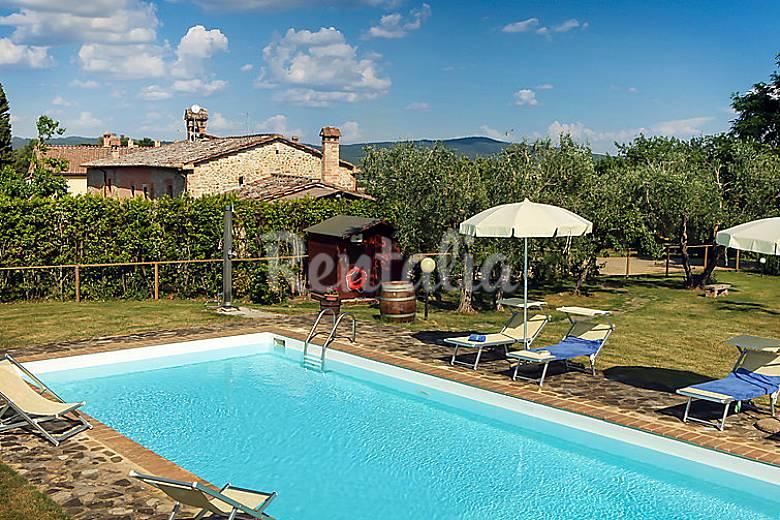 Casa en alquiler con piscina sestano castelnuovo for Alquiler casas con piscina