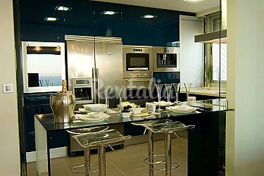 Apartamento para 6 personas con piscina cap blanc for Apartamentos con piscina en valencia