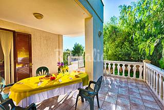 Villa with garden in Puglia for rent Brindisi